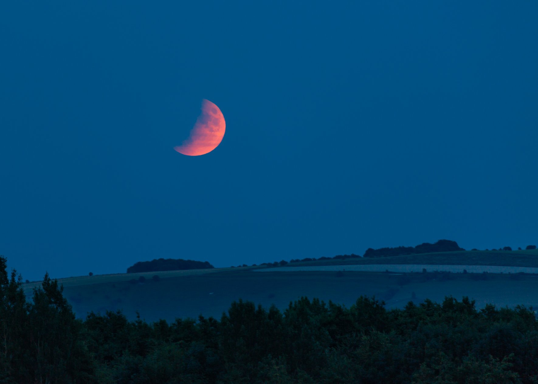 The Lunar Eclipse in Swindon, your best pictures