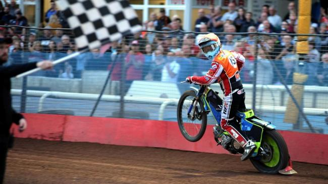 MEETING REPORT: Robins snatch victory from the jaws of defeat