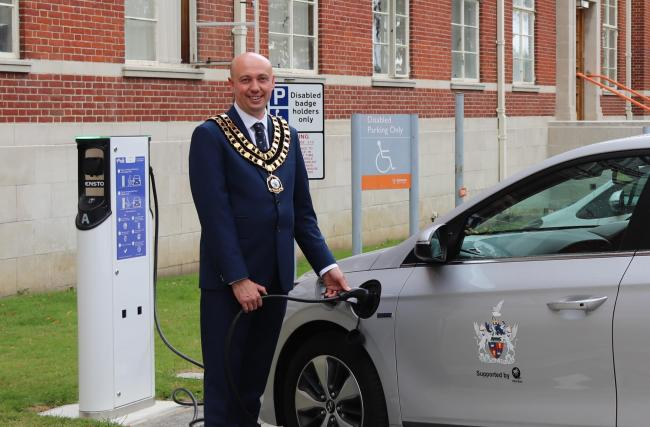 Mayor Kevin Parry using a Civic charging point