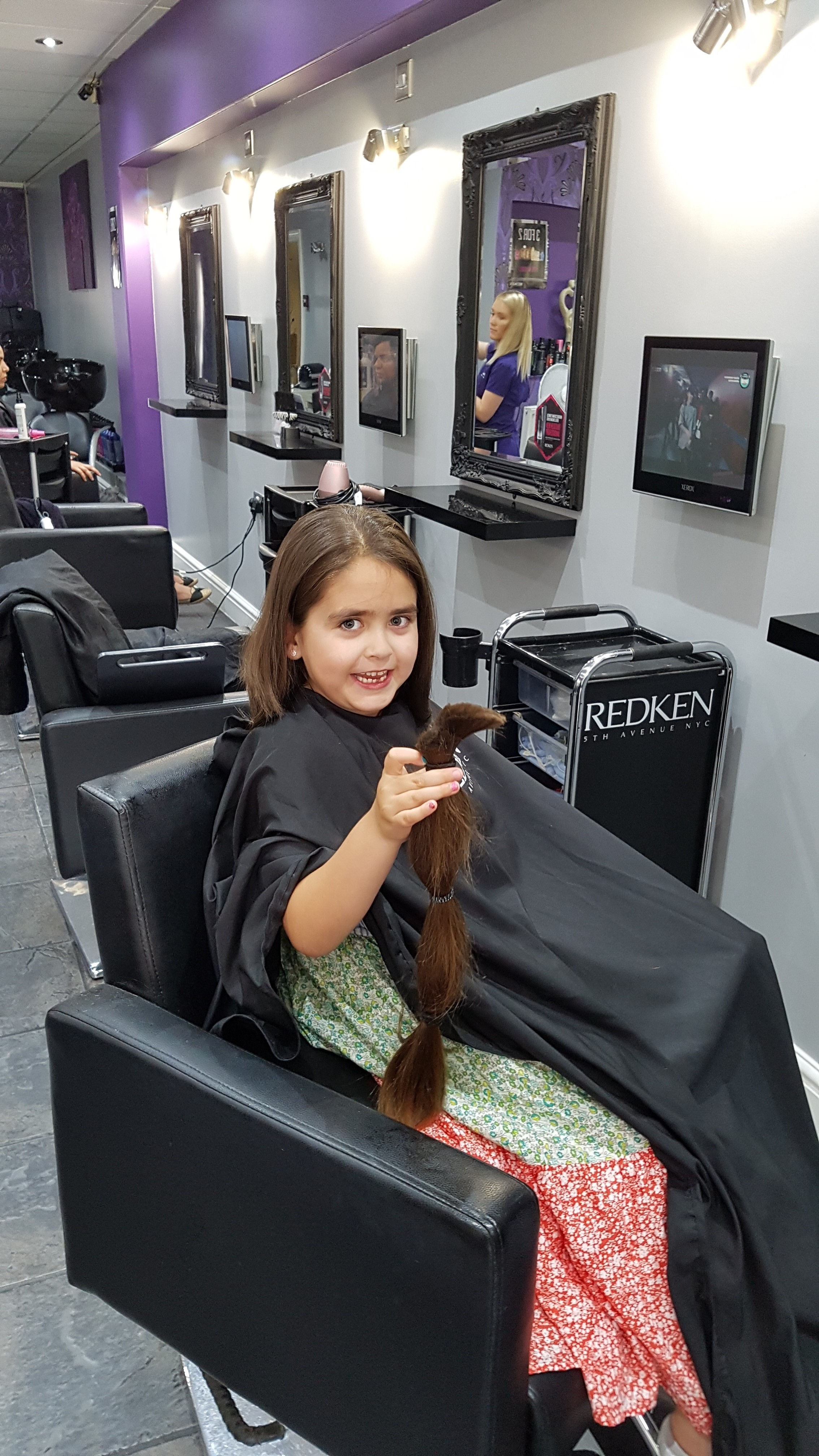 Swindon girl helps Little Princess Trust with first haircut