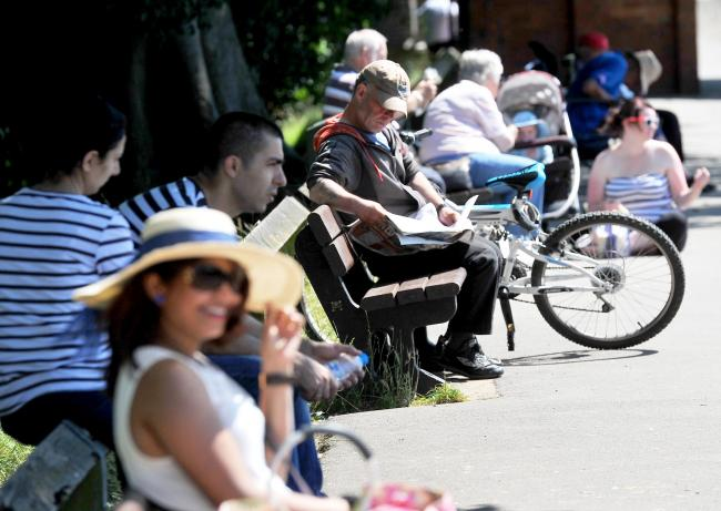 Summer's back! Bank holiday weekend set for mini heatwave