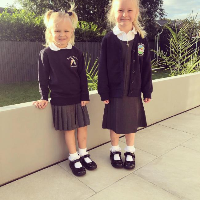 Sienna's 1st day at South Marston infants school and her Sister, Emi who start South Marston Pre-School ☺️