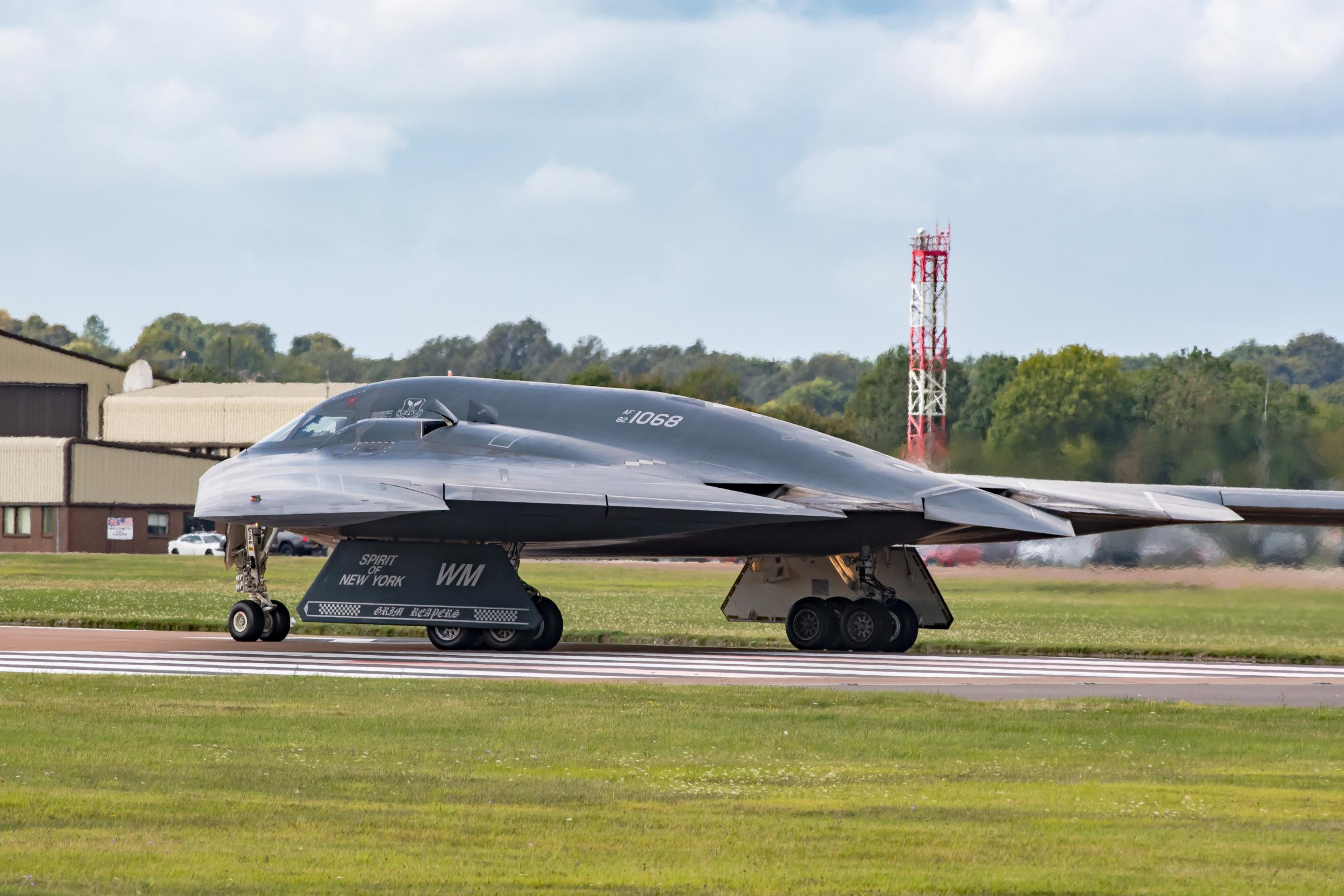 B-2 stealth bombers take over RAF Fairford