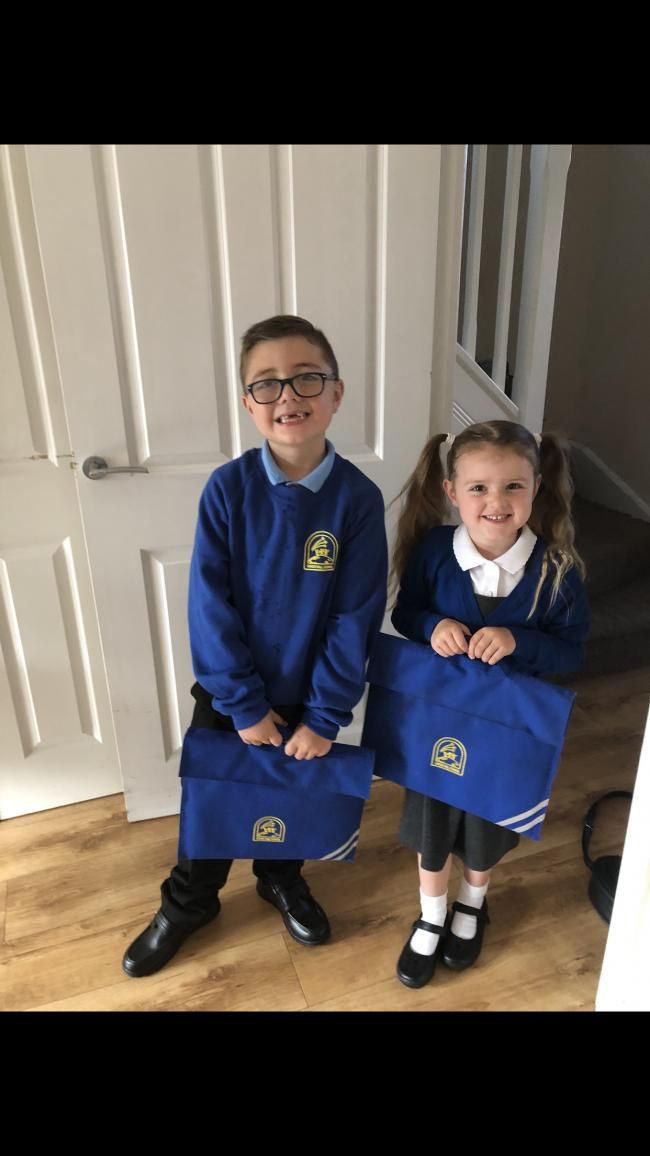 Starting school with big bro! Very excited little girl ❤️