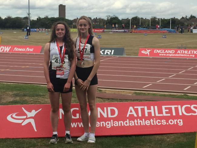 Swindon Harriers duo Hannah Lewington and Any Warre