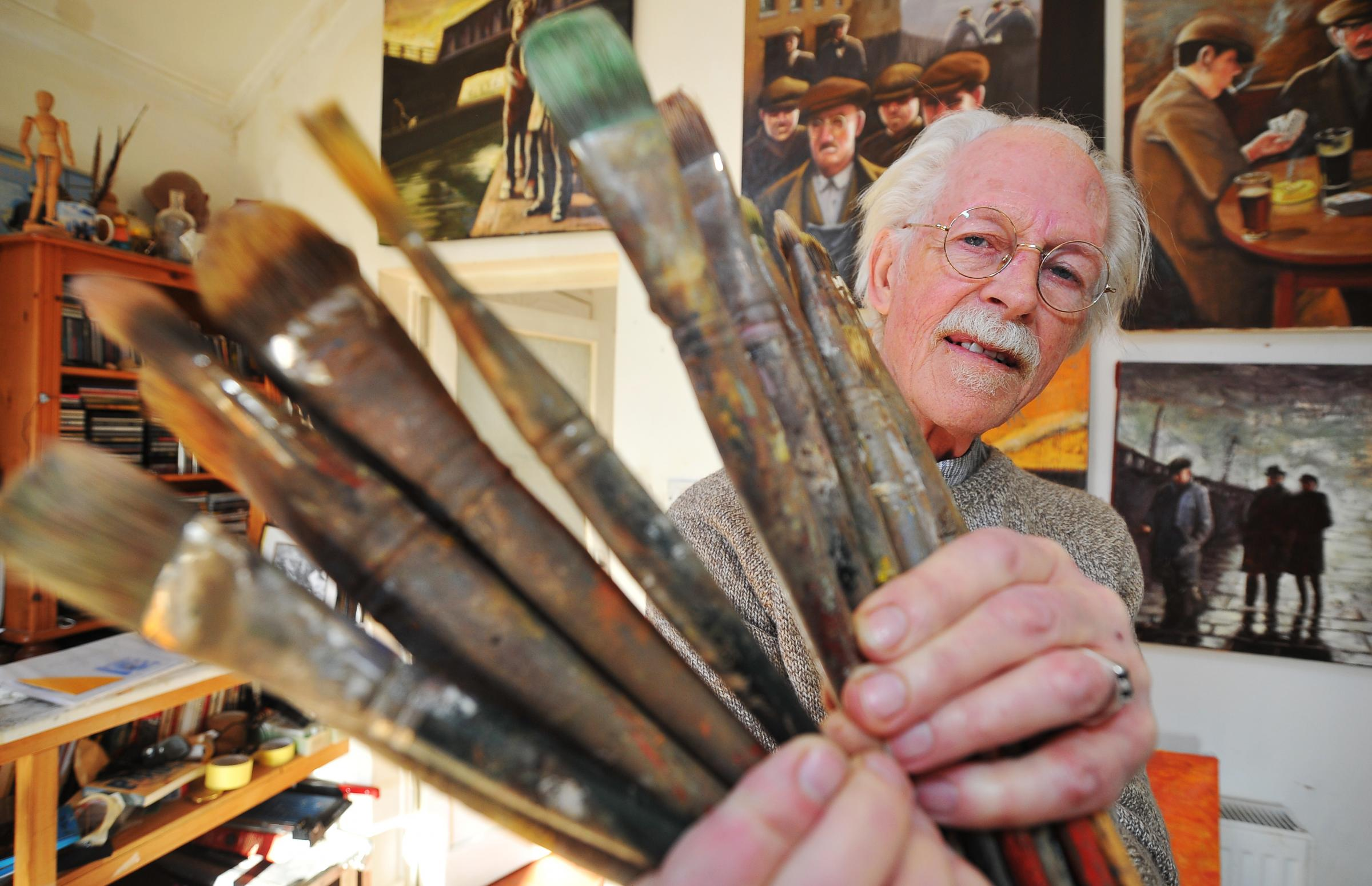 Muralist Ken White to stage railways exhibition at Swindon Museum and Art Gallery
