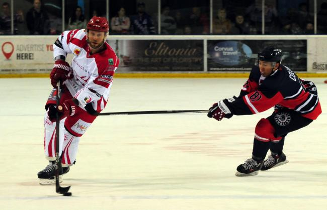 Max Birbraer has signed up to return to Swindon Wildcats for the 2019-20 season
