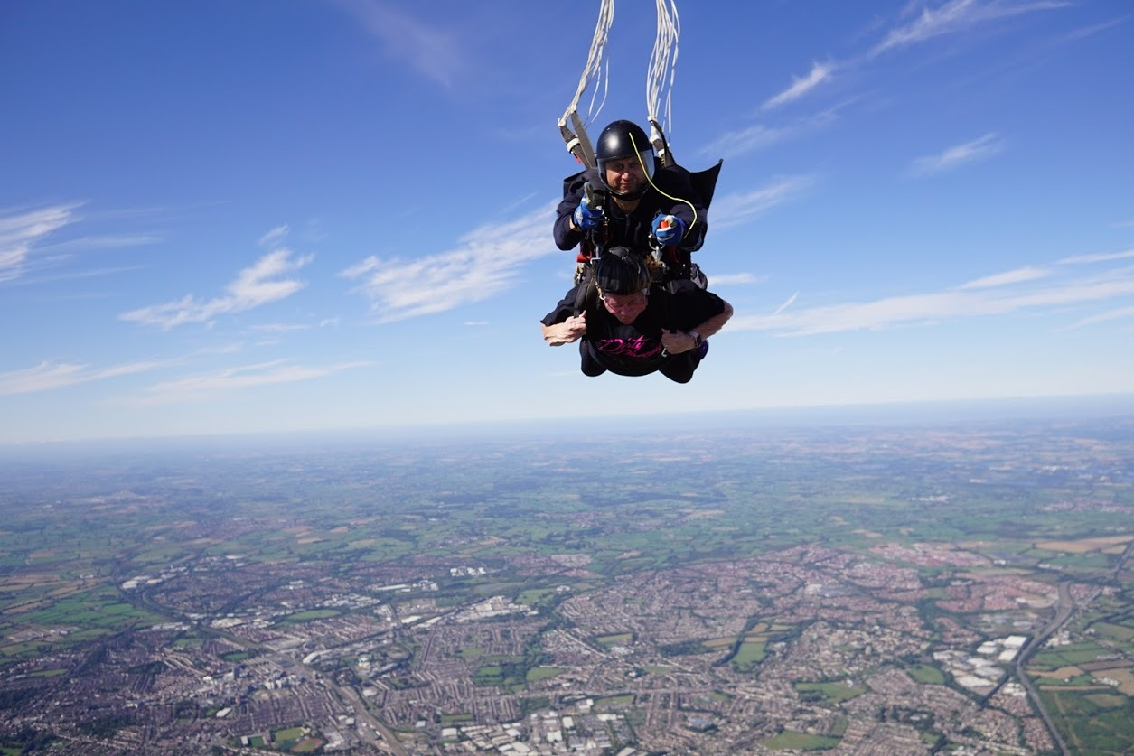Thames Water workers leap from 10,000ft to boost charity coffers