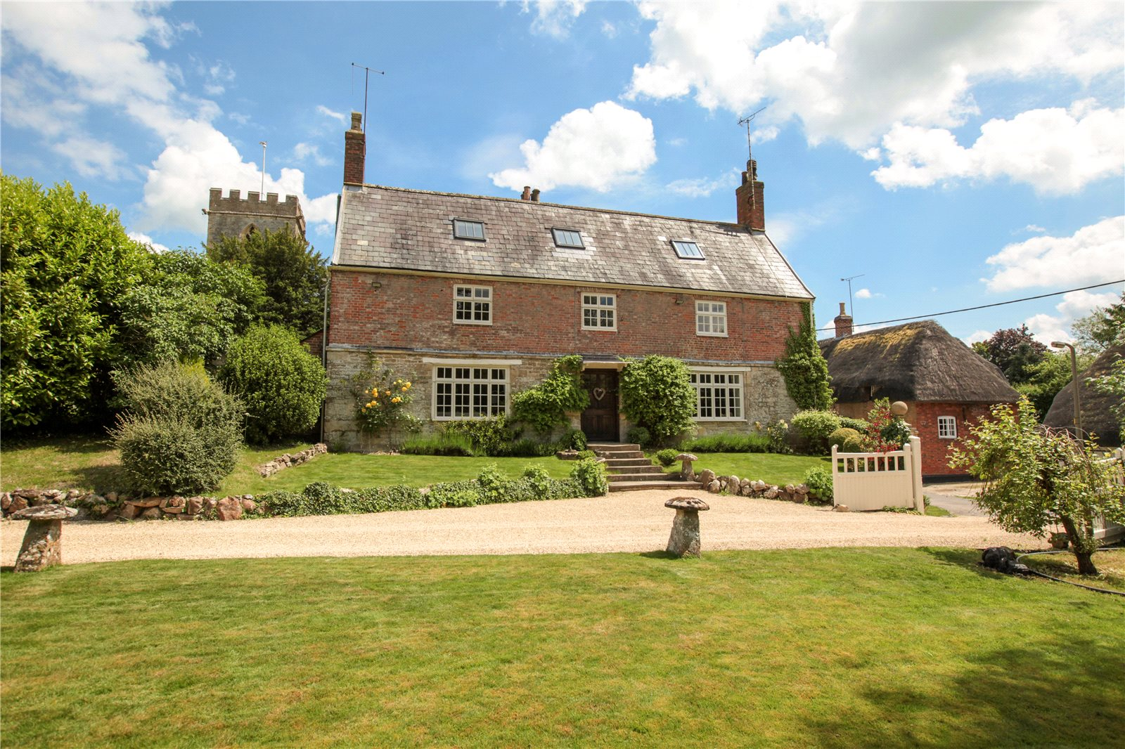 Won the lotto? This £1.8m house could be the one for you (and it's in Chiseldon!)