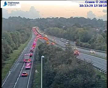 A419 DELAYS: Oil spill causes hold-ups at M4 junction