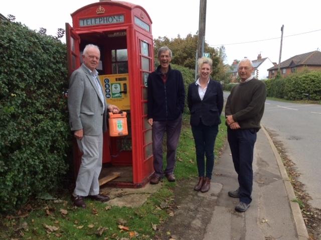 Life-saving defibrillator put in to Shrivenham phone box