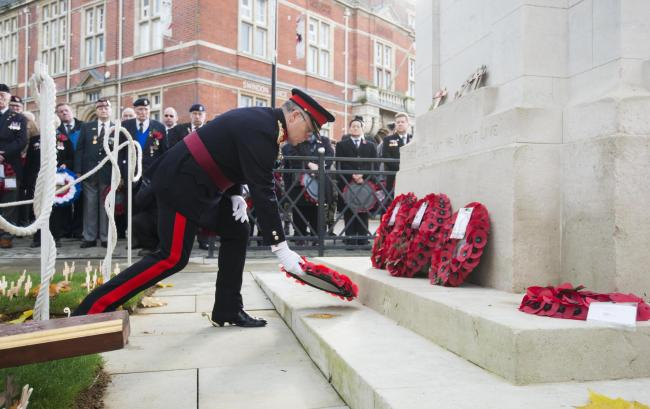 Swindon Remembrance Service at the Cenotaph .13/11/16.Pictures Clare Green/ www.claregreenphotography.com..