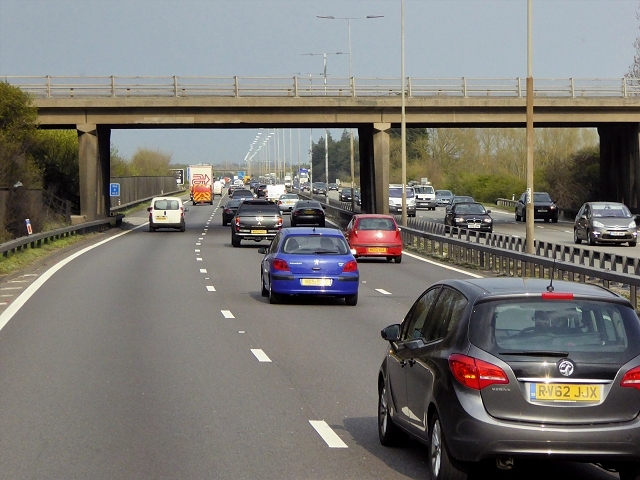 Part of M4 to close for three days while bridge is demolished