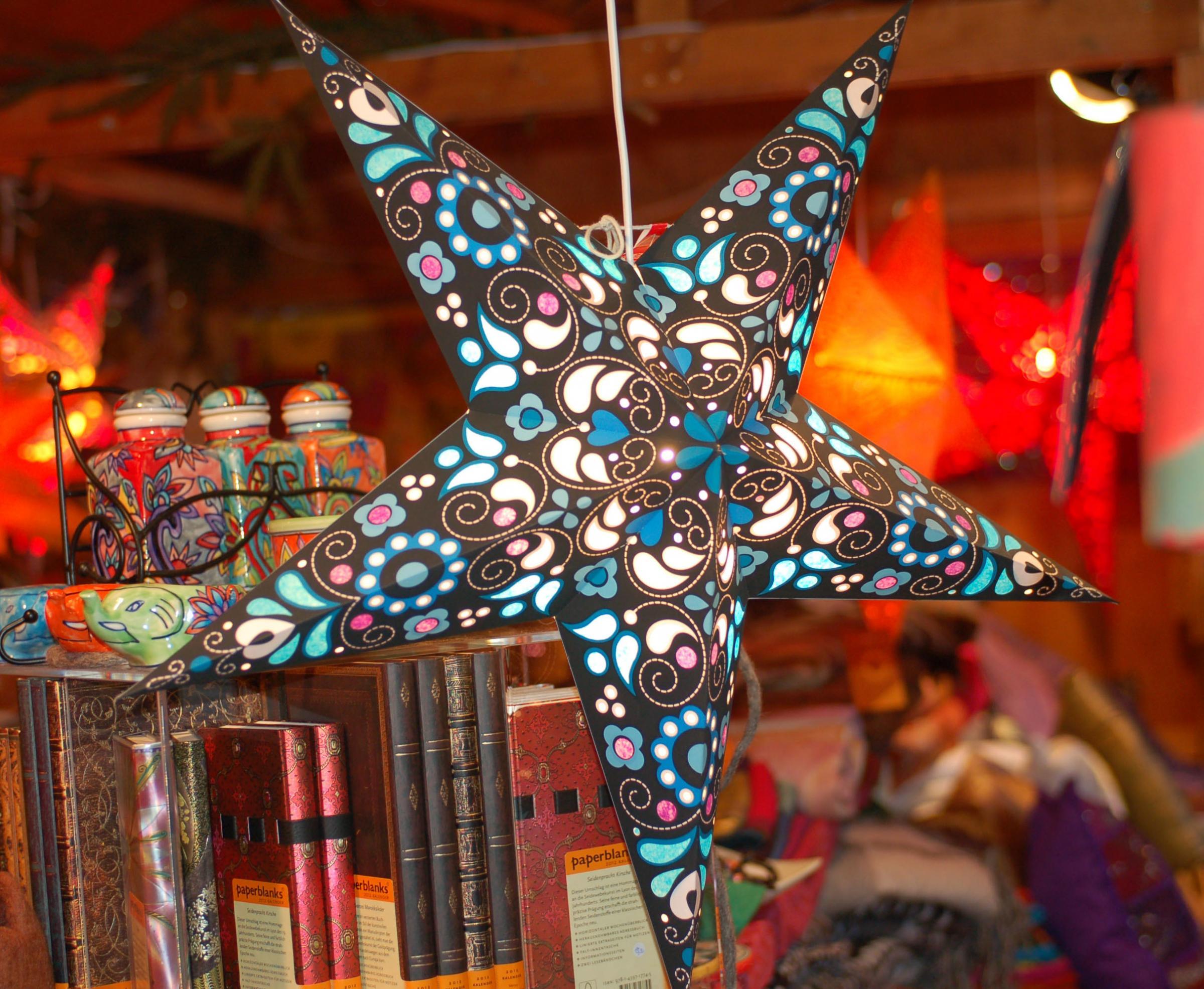 Lyneham gets Christmas craft fair