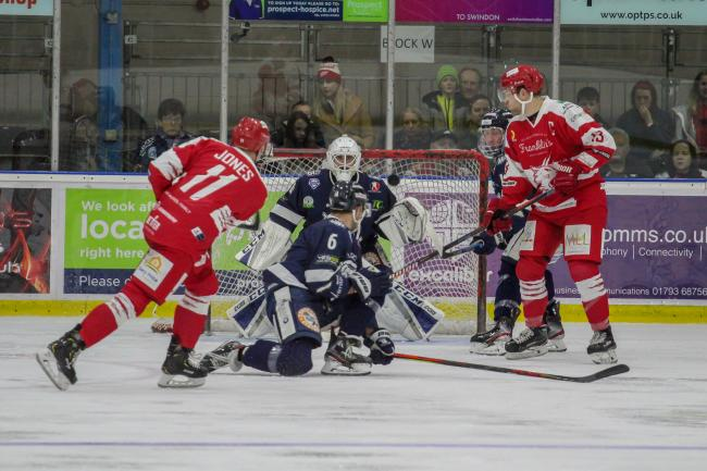 ICE HOCKEY: Wildcats are back to their very best in Bracknell