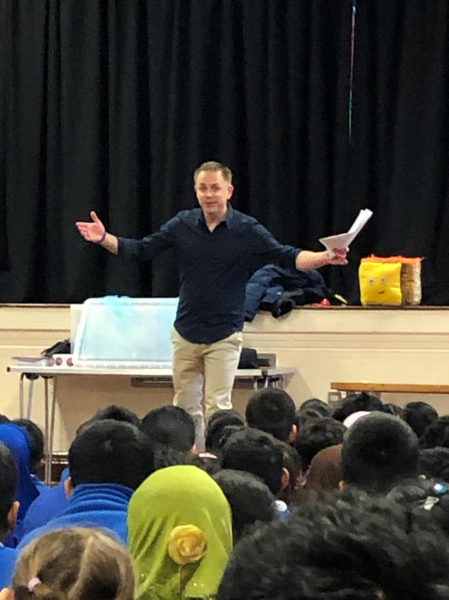 Chris Jarvis visits Drove Primary School