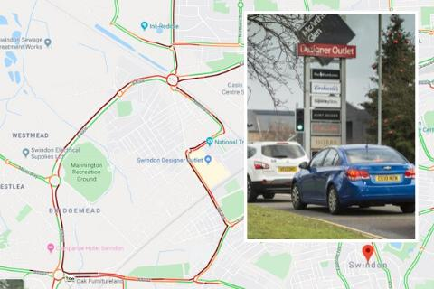 TRAFFIC HELL: Delays around designer outlet as Christmas shopping season hits