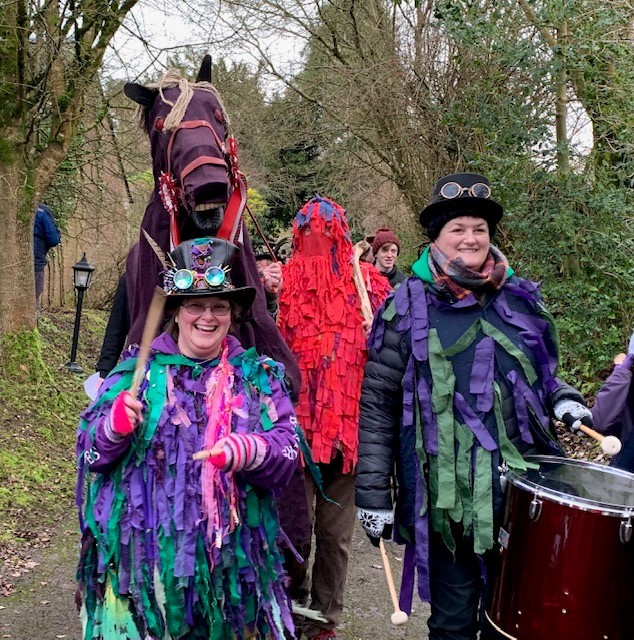 Avebury villagers in fine song to celebrate ancient folk custom