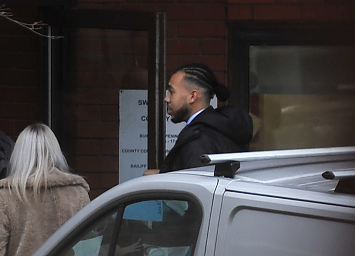 Jail threat for Swindon blackmailer who targeted prostitute's 'sugar daddy'