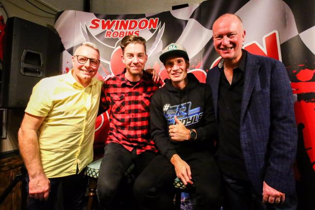 Swindon Robins team manager Alun Rossiter (left) with riders Troy Batchelor and Jason Doyle plus the evening's host Nigel Pearson (right) on Thursday night.                   PHOTO: Les Aubrey.