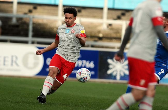 Rarmani Edmonds-Green has been impressed by Swindon Town manager Richie Wellens since he joined the club on loan last month. 