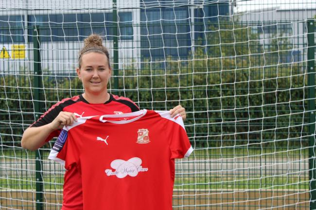Swindon Town Women assistant manager, Polly New