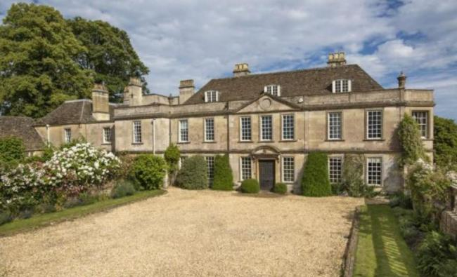 PICTURES: Inside the 10-bed Wilts country manor on the market for £3.9million