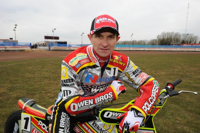 Swindon Robins 2010            Pics Dave Evans             11.03.10.Leigh Adams.