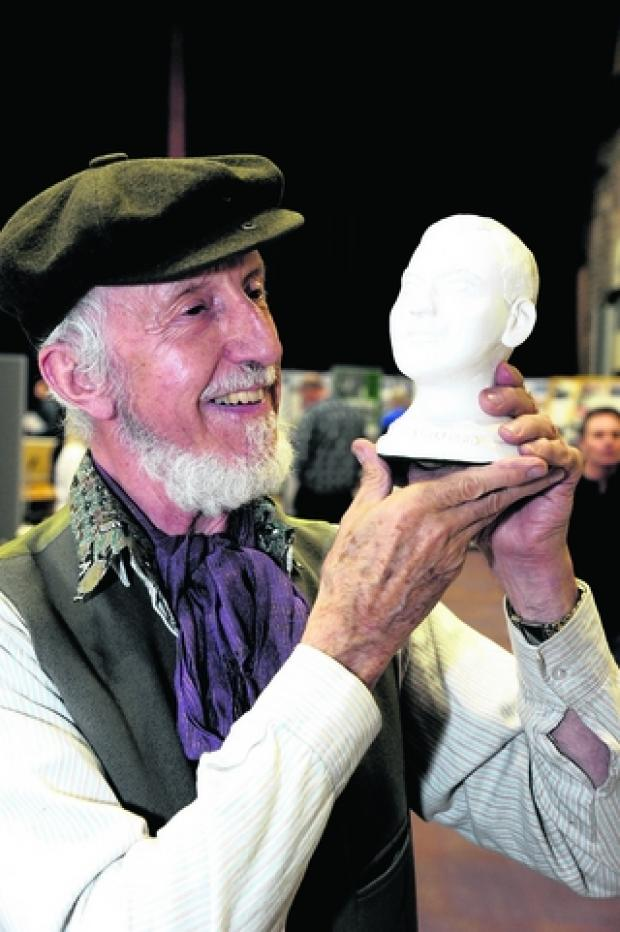 John Forster with a bust of Alfred Williams