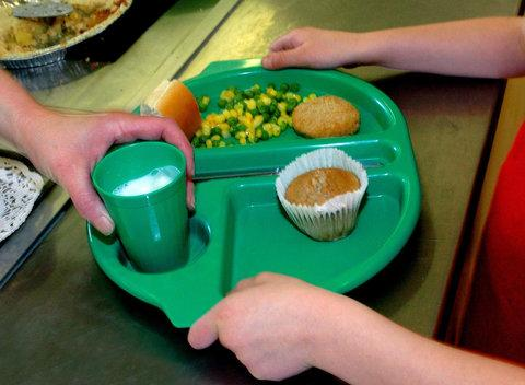 School meal numbers differ hugely in town