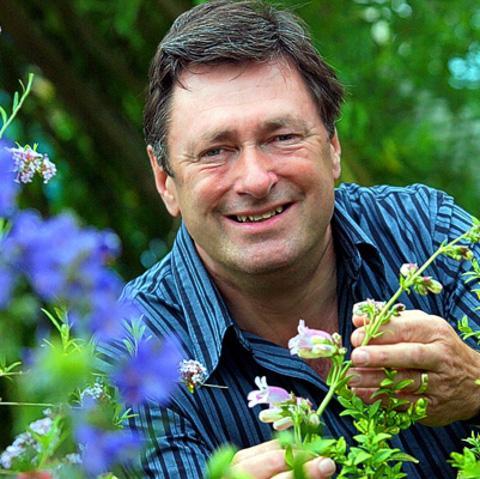 Garden show stars needed (From Swindon Advertiser)