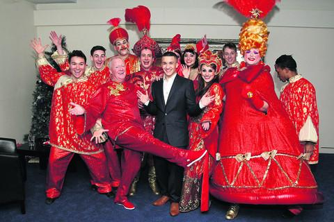 Jahmene Douglas was at the Wyvern Theatre yesterday afternoon and met the Aladdin panto stars