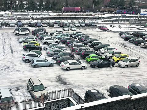 Snow chaos sees drivers blocked in at car park
