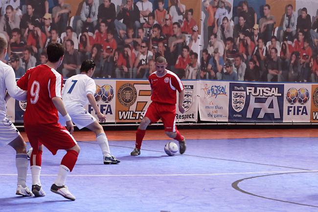 Futsal: fast, fun and dynamic. Have you tried it?