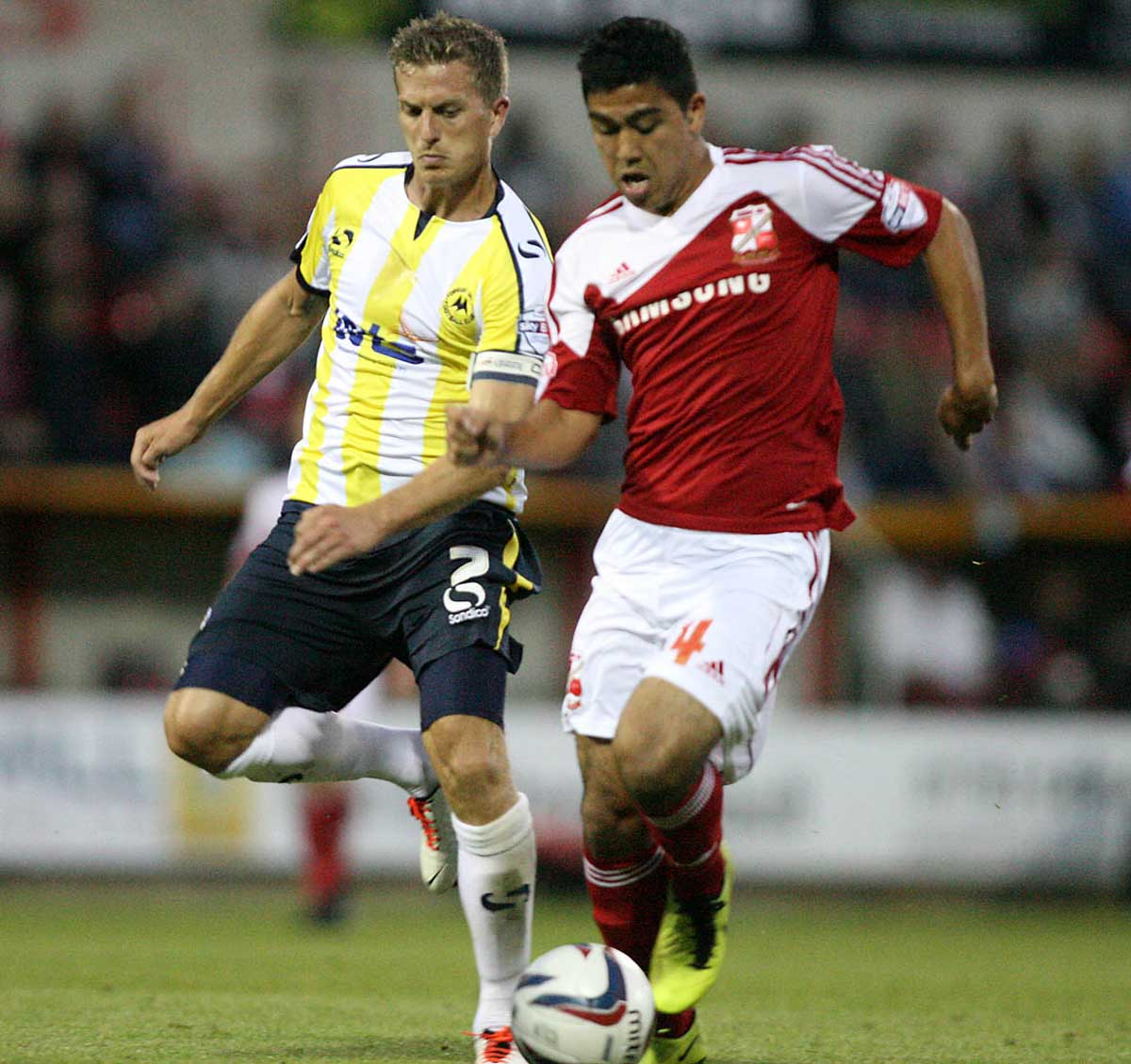 Massimo Luongo will sign a three-year deal at Swindon Town