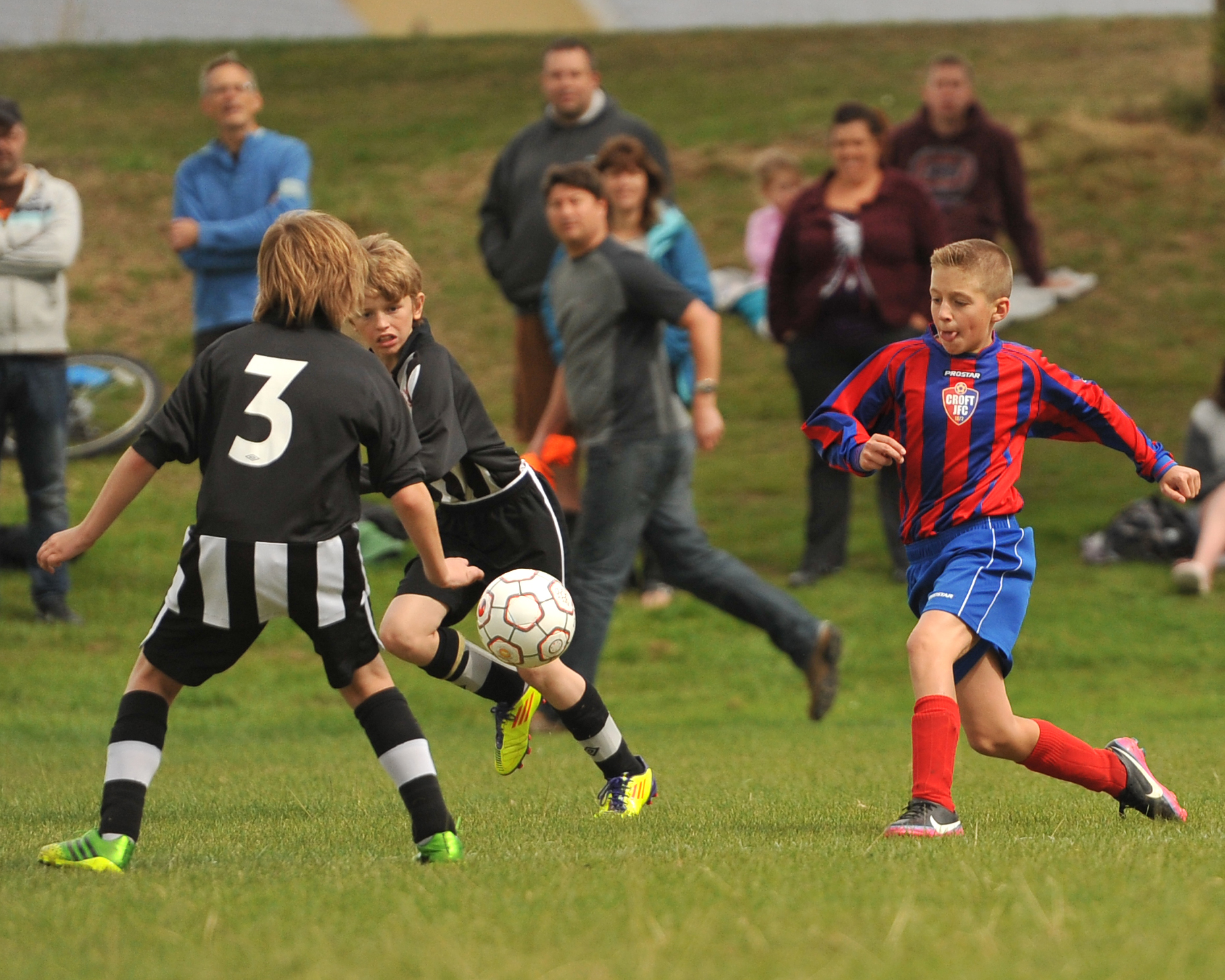 NORTH WILTS YOUTH LEAGUE: Greenmeadow rock the Robins