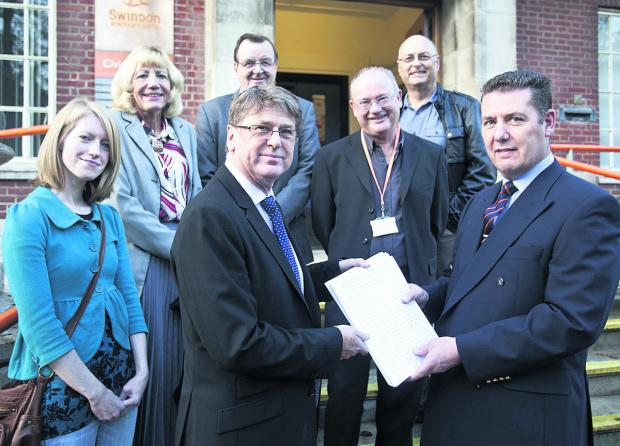 Residents and councillors have collected over 2,000 signatures for a petition against a proposed biomass plant. Gavin Jones, Chief Executive meets with concerned residents