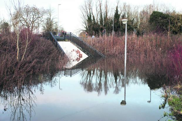 Flooding on the Coate Water underpass