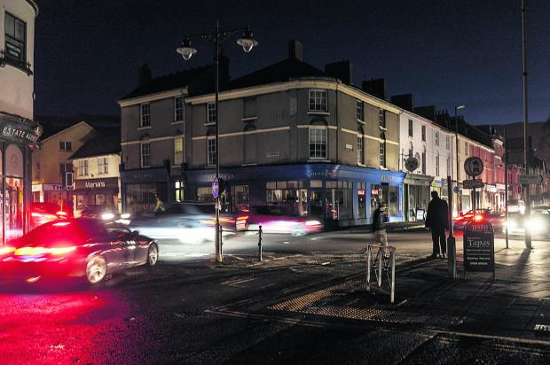 The corner of Wood Street and Devizes Road in darkness. Picture: Alex Skennerton