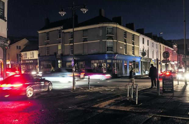 The corner of Wood Street and Devizes Road in darkness                               Picture: Alex Skennerton