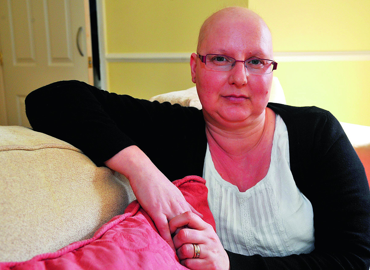 Swindon cancer sufferer praises new social media trend to help cause
