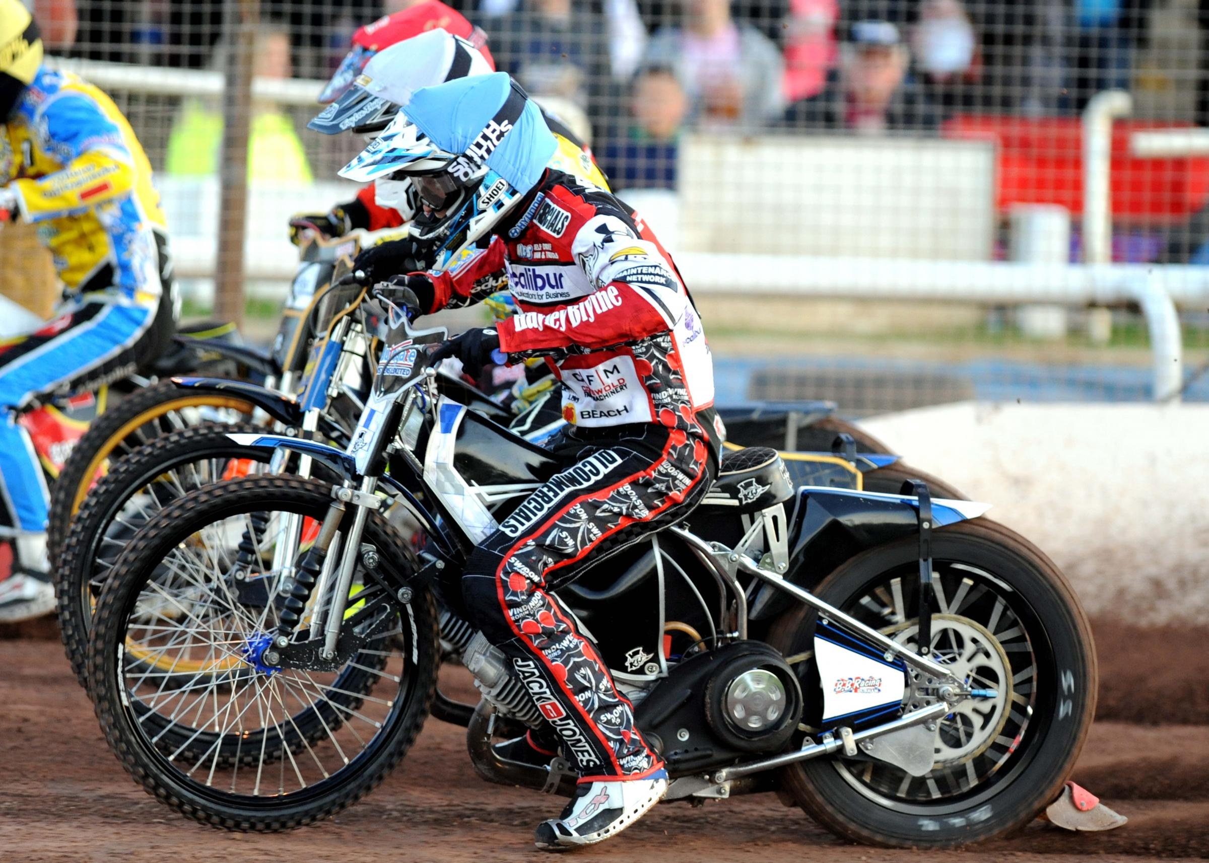 Action from last night's meeting between Swindon Robins and Eastbourne Eagles