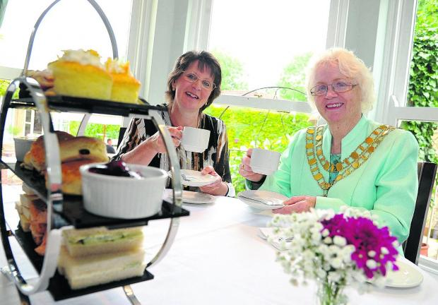 n Sue Higgs, the general manager of Chiseldon House Hotel, with mayor Teresa Page at the open day Picture: DAVE COX