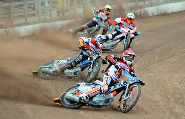 Action from Swindon Robins' victory at Leicester Lions last night