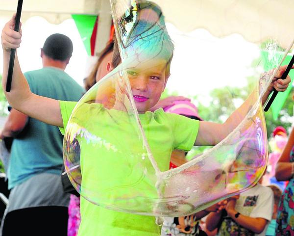 Sam Stickley makes giant bubbles at last year's Stratton Festival
