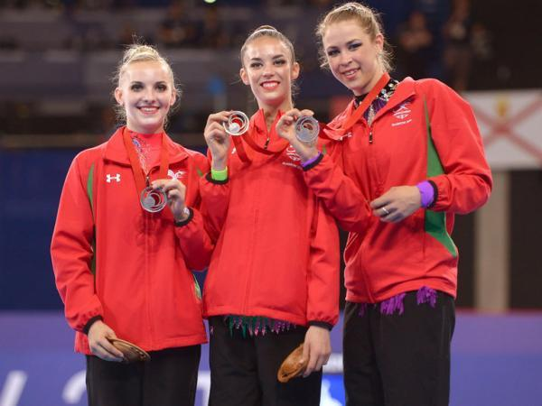 Laura Halford, centre, with her Welsh teammates