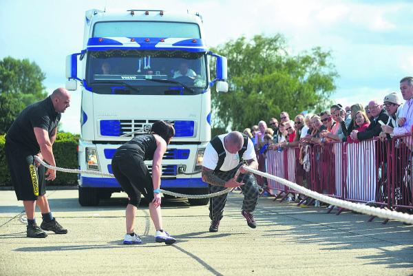 Don Bryden pulling a 10 tonne truck to raise money for an anti-rhino poaching charity