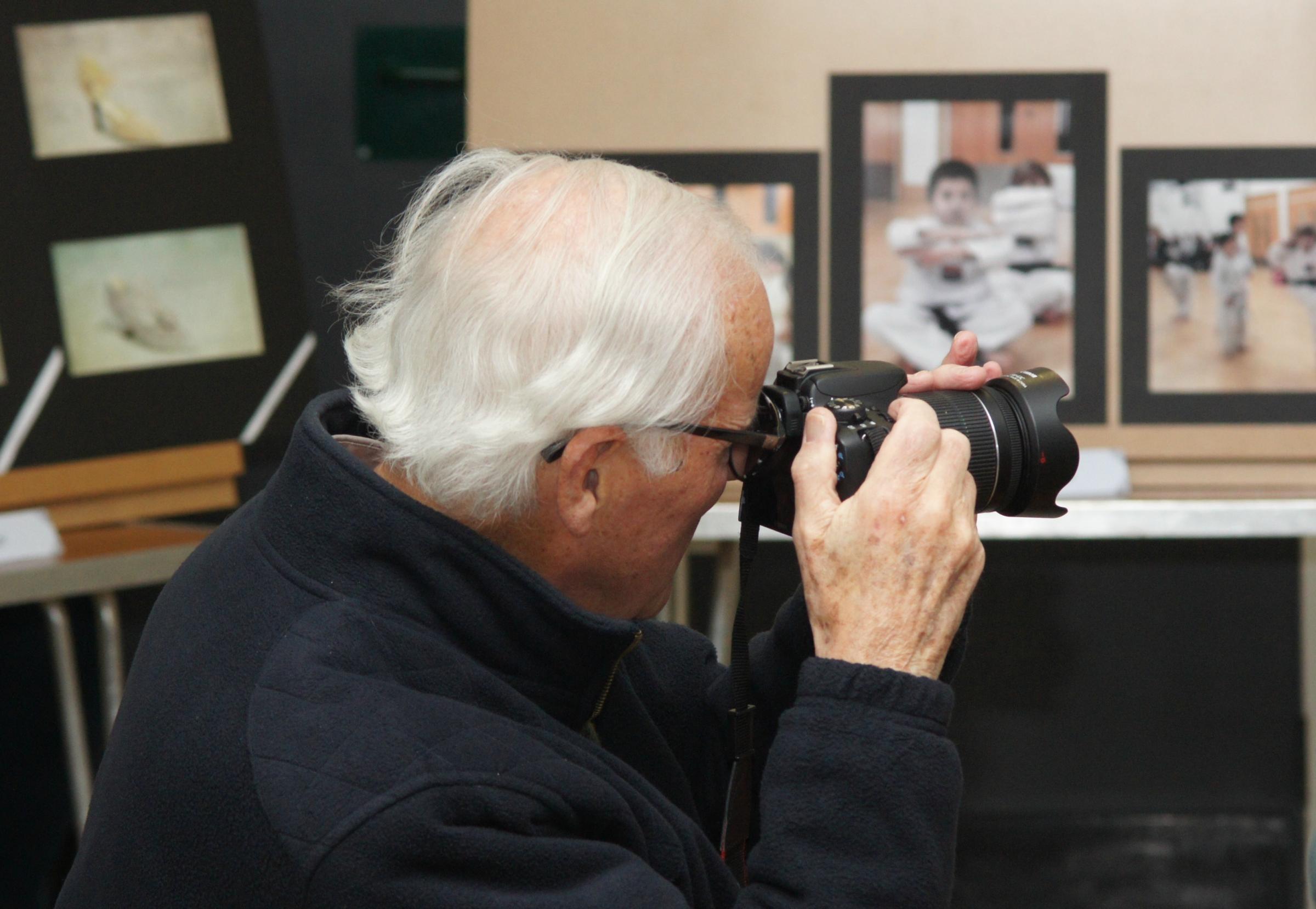 camera amateur for Amateur photographers clubs