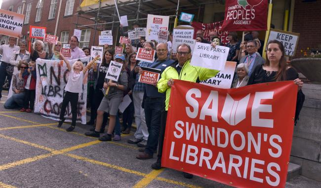 Save Swindon Libraries protest.Swindon Civic Offices. Pic: Calyx
