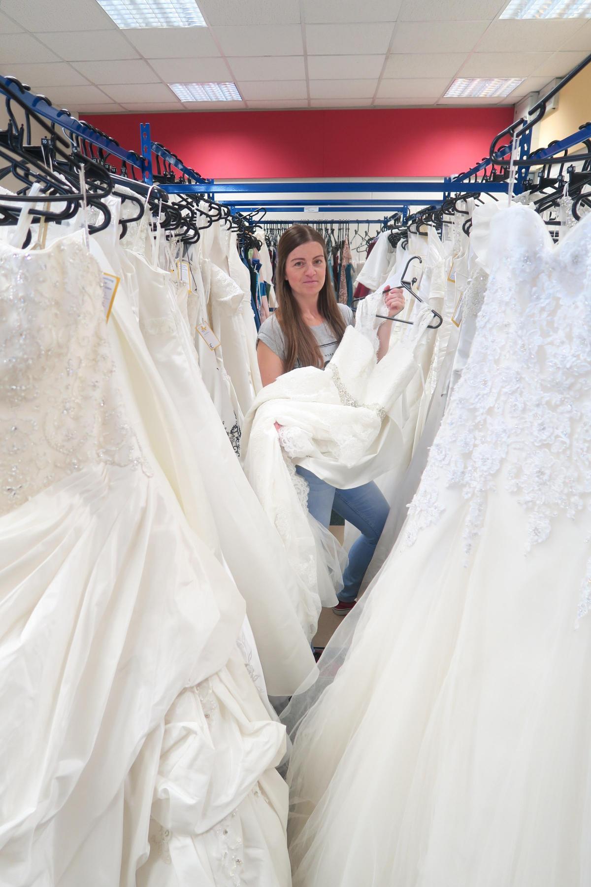 Pop Wedding Dress.50 Wedding Dresses In Marie Curie S Pop Up Shop Swindon Advertiser